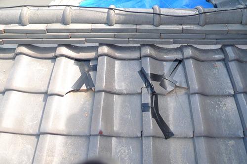 防水テープによる瓦の修理