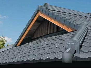 入母屋屋根の家