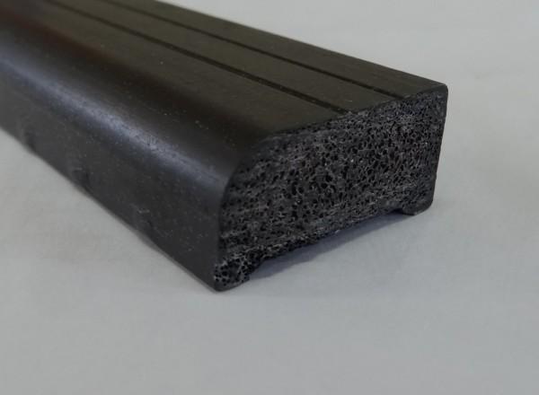 高耐久通気樹脂瓦桟