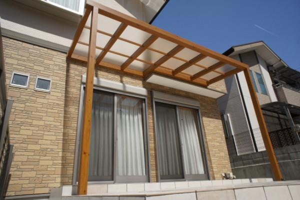 木目調テラス屋根