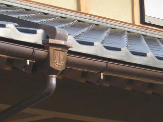 塩化ビニール製の雨樋