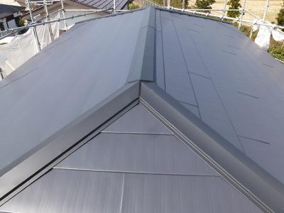 ガルバリウム鋼板製の棟