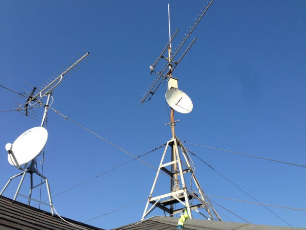 テレビ用(左)とアマチュア無線用(右)