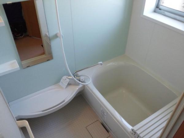 新しい浴槽で見違えるように